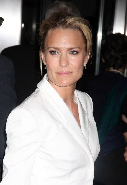 """Robin Wright Photos Photos - Actress Robin Wright arrives at """"Rampart"""" Premiere at Princess of Wales during the 2011 Toronto International Film Festival on September 10, 2011 in Toronto, Canada. - """"Rampart"""" Premiere - 2011 Toronto International Film Festival"""