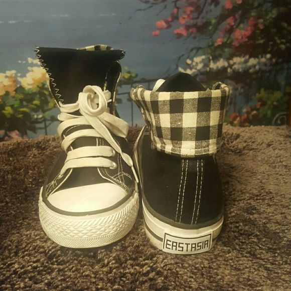 Black and White Sneaker These shoes have been worn a couple times but in great condition. Shoes Sneakers