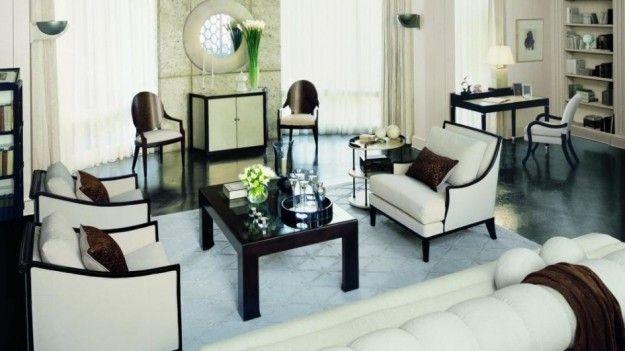 L'arredamento negli anni '20 - L'arredamento subì notevoli cambiamenti e fu influenzato da due nuove correnti stilistiche la Bauhaus e l'Art Decò.