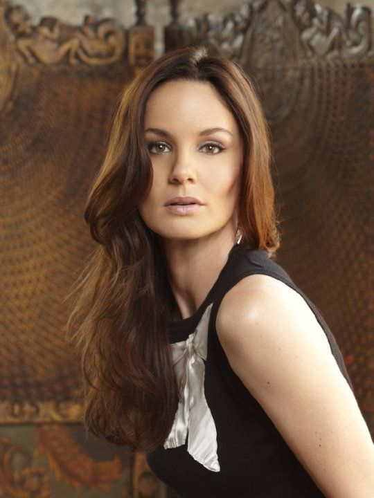 Sarah Wayne Callies photos, including production stills, premiere photos and other event photos, publicity photos, behind-the-scenes, and more.