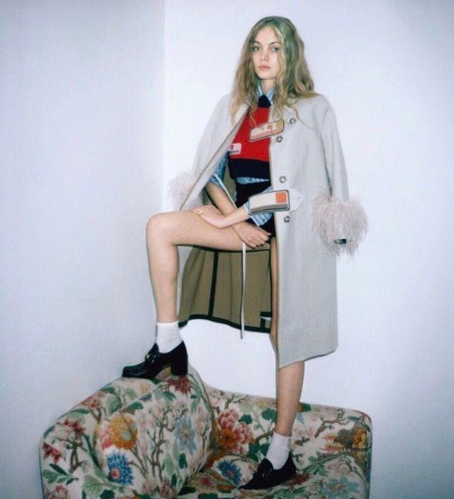 Romantica e curiosa #AlexandraRicci sogna di disegnare abiti adora il #cappuccino e per sentirsi in forma prega. Scopri di più su #MarieClaireItalia di marzo da domani in edicola! #MCshooting  Foto: #FrancoisRotger Stylist: #LauraSeganti Look: #Prada #Dodo #Calzedonia #Gucci  via MARIE CLAIRE ITALIA MAGAZINE OFFICIAL INSTAGRAM - Celebrity  Fashion  Haute Couture  Advertising  Culture  Beauty  Editorial Photography  Magazine Covers  Supermodels  Runway Models