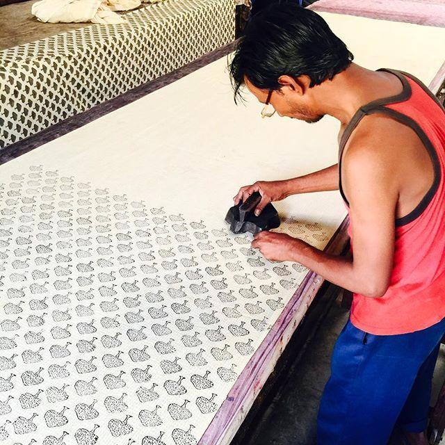 What happens when a screen printer falls in love with block printing?? 🎉💥💥 #theprintsociety #blockprinting #textiles #bagru #india #acecampsindia2016 #textilewanderlust #theprintsocietytravels
