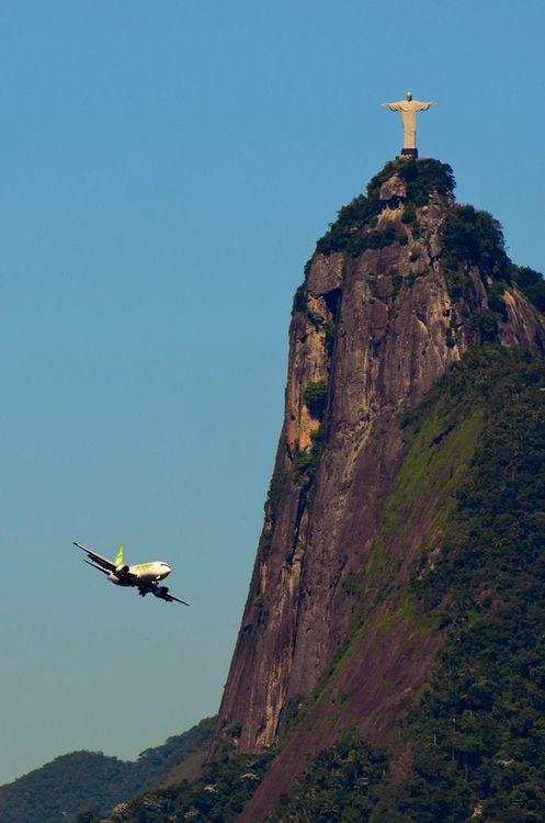 Rio de Janeiro| flying around the Christ