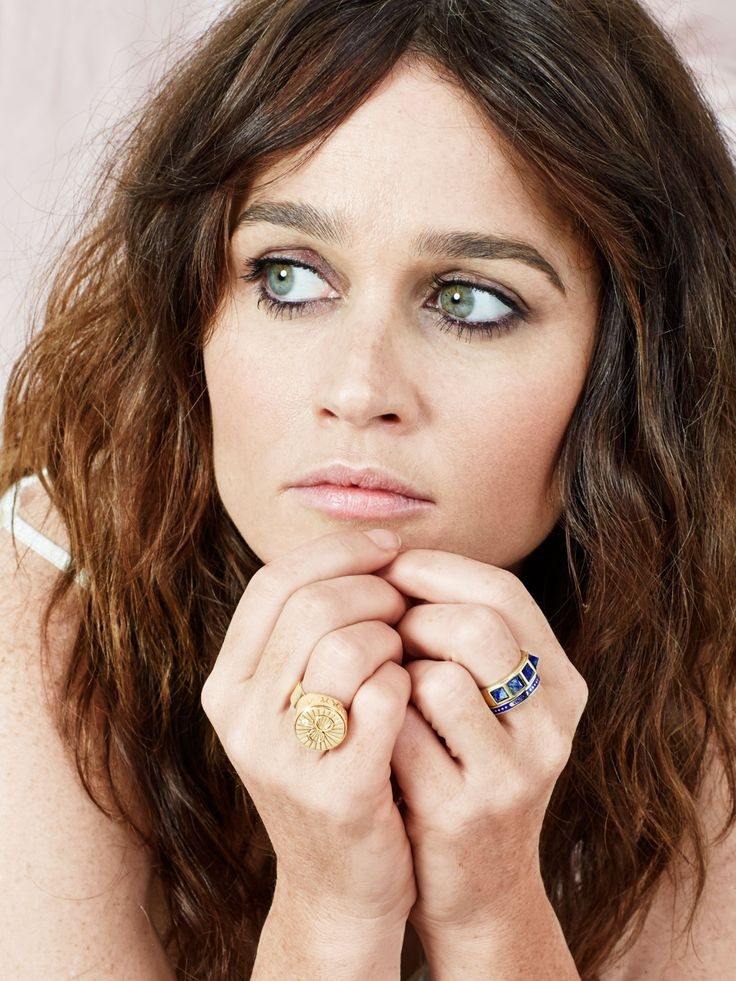 Robin Tunney - Foundrae Photoshoot