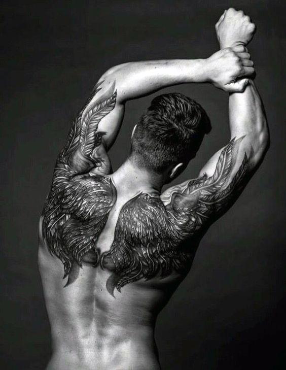 50 Upper Back Tattoos für Männer - Masculine Ink Design-Ideen - http://tattoosideen.com/2016/08/21/50-upper-back-tattoos-fur-manner-masculine-ink-design-ideen.html