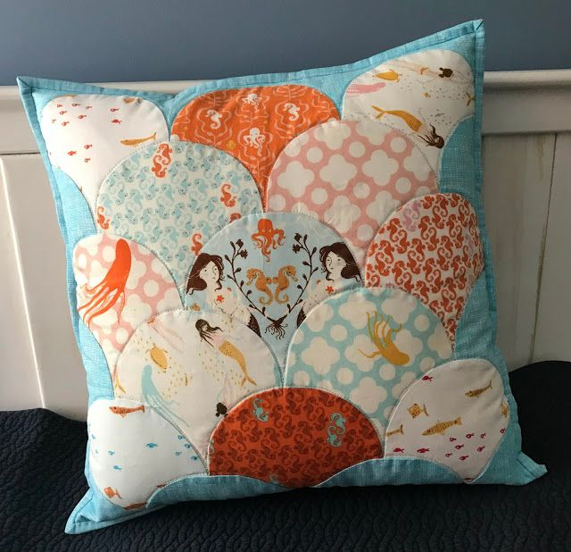 alidiza - Mendocino Glam Clam pillow cover