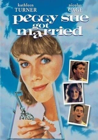 """""""Peggy Sue Got Married"""": poco apreciada de cine Francis Ford Coppola viaje en el tiempo, protagonizada por Kathleen Turner y una aún más excéntrico de lo habitual, uno por Nicholas Cage (como novio de la escuela secundaria de Peggy Sue y su marido-a-ser)."""