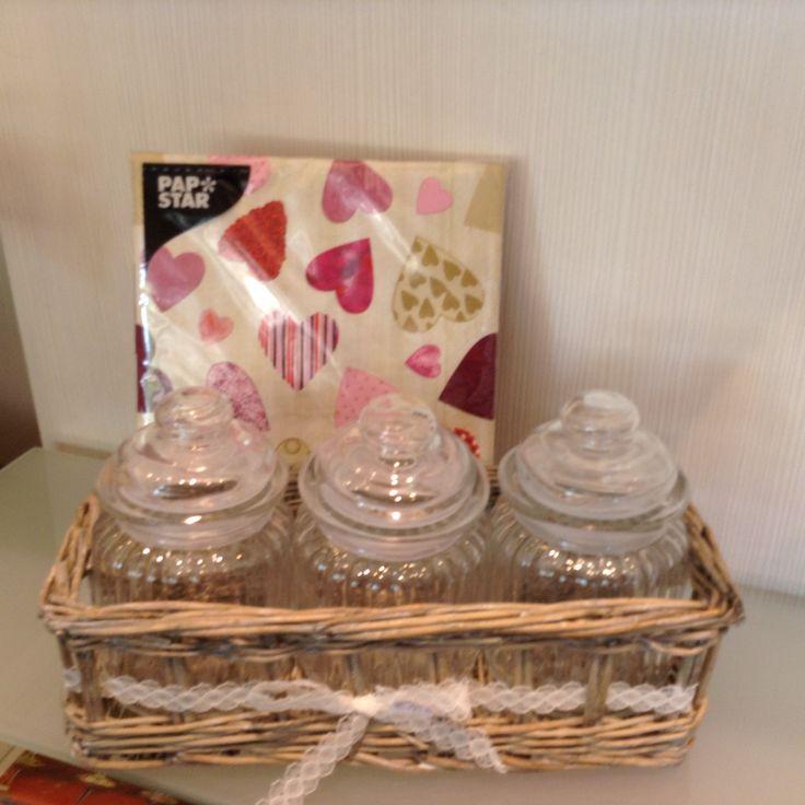 3 Gläser im Korb Geschenksidee zum Muttertag