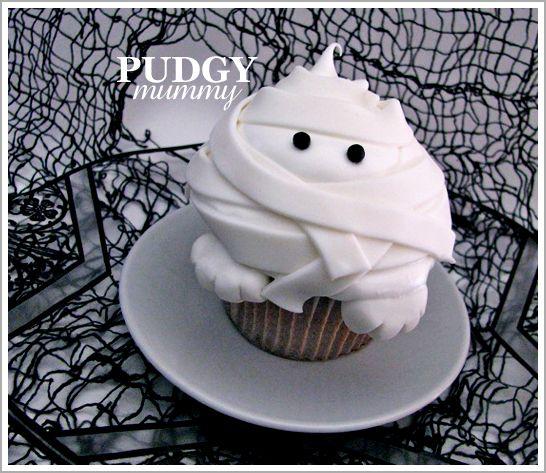 DIY: Pudgy Mummy Cupcakes
