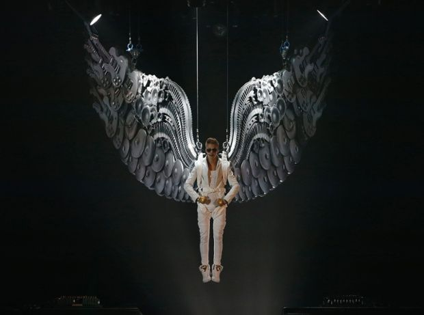Justin Bieber 2013 Believe Tour Wings