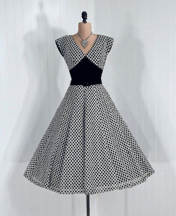 1950's Vintage Dramatic Black and White Ribbon-Weave Illusion Designer-Couture Velvet Shelf-Bust Plunge Rockabilly Princess Belted Circle-Skirt Bombshell Ballerina-Cupcake Holiday Wedding Evening Party Cocktail Dress