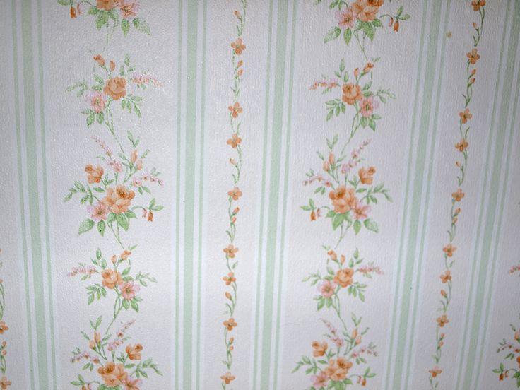 """Vintage Tapete """"Shabby Chic"""" Blümchen und Streifen von Tragique Boutique auf DaWanda.com"""