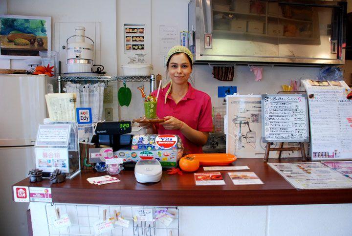 フルーツや野菜がちゃー盛り! 体にうれしいスムージー専門店 「vita smoothies」|沖縄CLIP