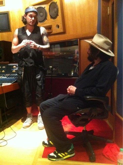 John Mayer Recording New Album -  Born And Raised