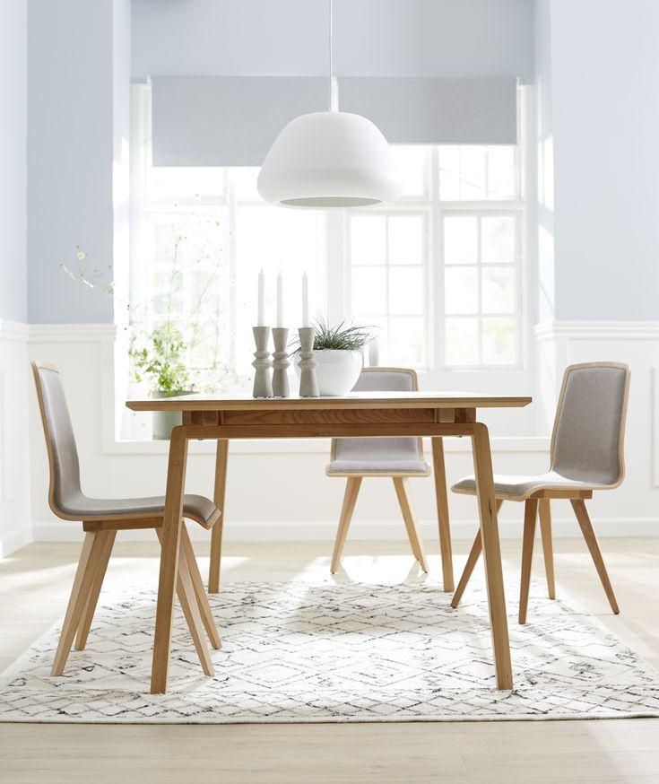 Elba ruokaryhmä / Elba dining table Material trendy oak #kruunukaluste #ainain #homedeco #scandinavianhomes #interior #inspiration #interiordesign #homeinspiration #sisustus #sisustusinspiraatio #sisustusidea #modern