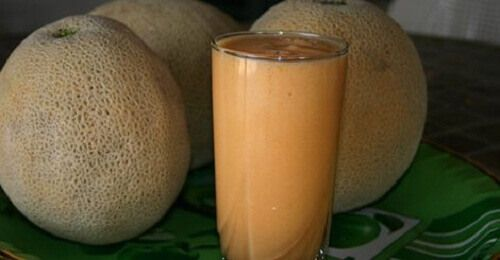 Meloen - Als je gewicht wilt verliezen en een goede nachtrust wilt hebben, dan is het beginnen met het toevoegen van meloenen aan je dieet een geweldig idee.