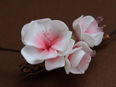 Flores de cerezo en pasta polimérica