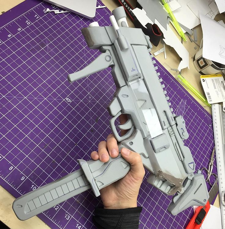 Pew pew pew! Video coming soon! Now over to Benni for painting! #sombra #boop #overwatch #sombracosplay ...