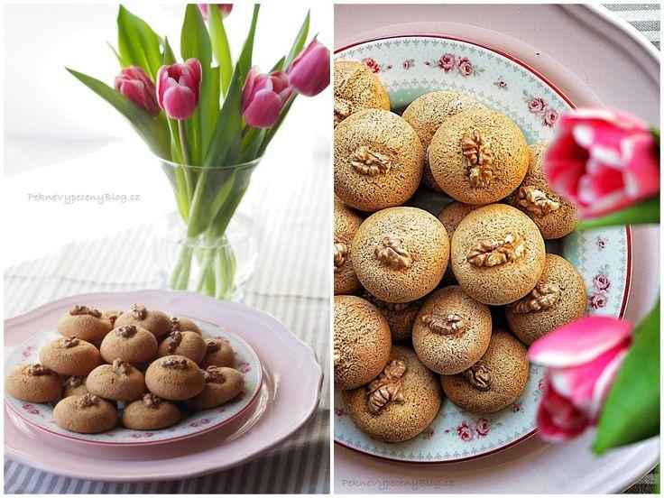 Bulharské Medenki (med, skořice, vlašské ořechy) - Bulgarian Medenki (honey, cinnamon, walnuts) www.peknevypecenyblog.cz