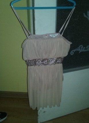 Kup mój przedmiot na #vintedpl http://www.vinted.pl/damska-odziez/koszulki-na-ramiaczkach-koszulki-bez-rekawow/15169741-piekne-rozowy-stroj-top-z-dzetow