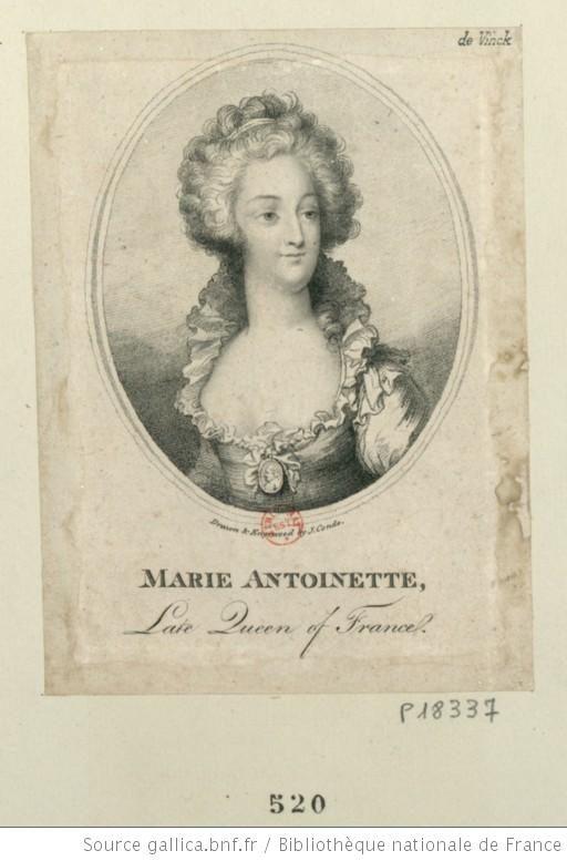 Marie-Antoinette, à mi-corps, le visage légèrement de trois quarts à droite ; cheveux bouclés, relevés par un ruban ; corsage très décolleté, à collerette montante derrière la nuque ; sur la poitrine, portrait-médaillon de Louis XVI suspendu après une chaîne passée sous la collerette ; pas de collier : [estampe] - 1