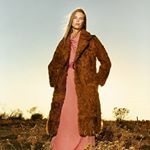 ¿Qué os parece marcarse un look a lo Margot Tenenbaum con un abrigo de pelo de estilo vintage? Look completo de @sferaofficial .  #trendencias #sfera #trends #tendencias #moda #fashion #ootd #wiwt #w