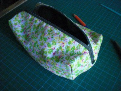 perfectly lined zippered boxy pouch - no raw edges