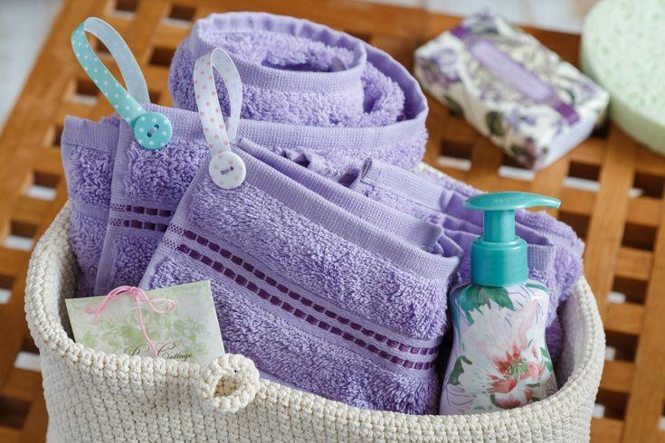 Ozdobte si ručníky vlastními poutky. Stanou se milou ozdobou a bude vás to stát jen chvilku práce.