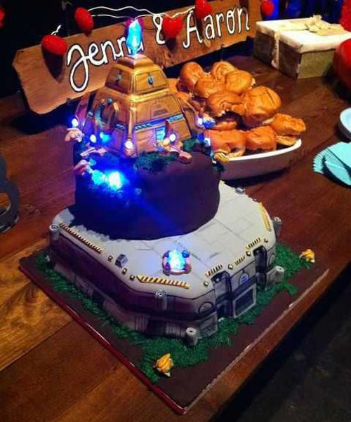 Protoss-licious StarCraft Cakes by Chelley Sherman.: Starcraft Cakes, Starcraft Stuff, Starcraft Ii, Tops Starcraft, Cakes Decor, Nerd Cakes, Creative Cakes, Protoss Lici Starcraft, Grooms Cakes
