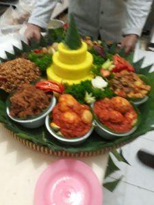 Catering tumpeng 085692092435: 0811-8888-516 Jual Nasi Tumpeng Di Jakarta Timur