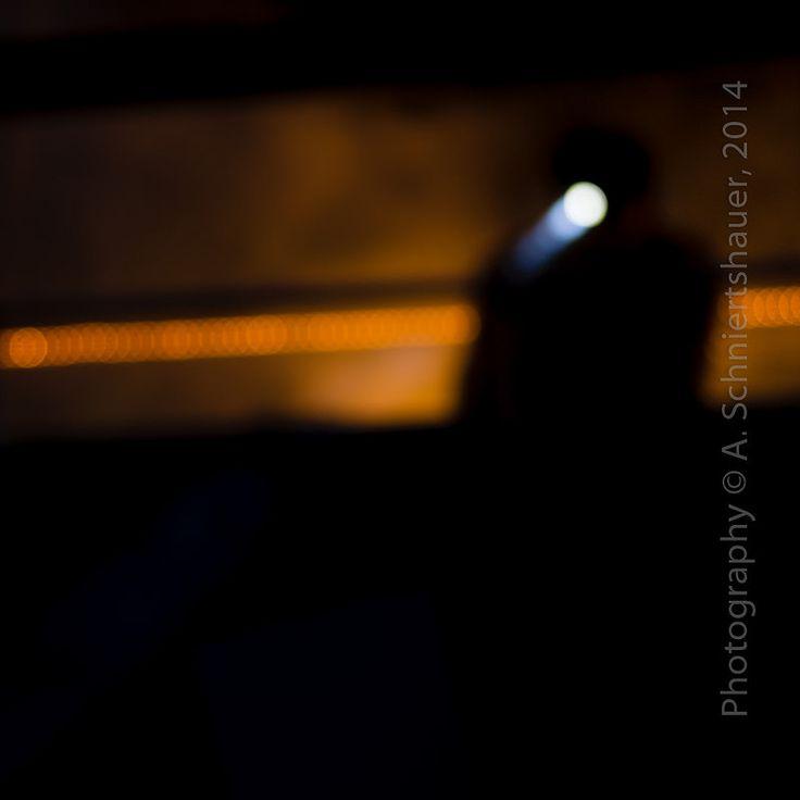 silhouette flash lights