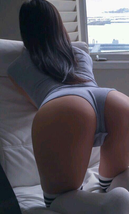 Teen on knee penetrated nude