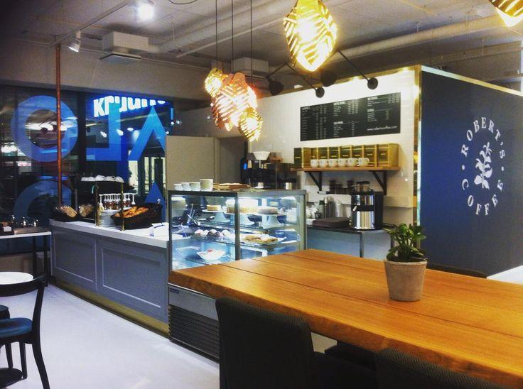 Hep! Kuulitko jo, että TaloTaloon on avattu Robert's Coffee? Robert's Coffeesta saa jokaiseen makuun kahvia tai teetä, suolaista ja makeaa leivosta sekä lounasta aina arkisin klo 10-15! Tervetuloa! #talotalo #kahvitauko #pullaa #teetä #cappuccino #lounas #hotchocolate #latte #☕️ #robertscoffee #robertscoffeetalotalo @robertscoffee