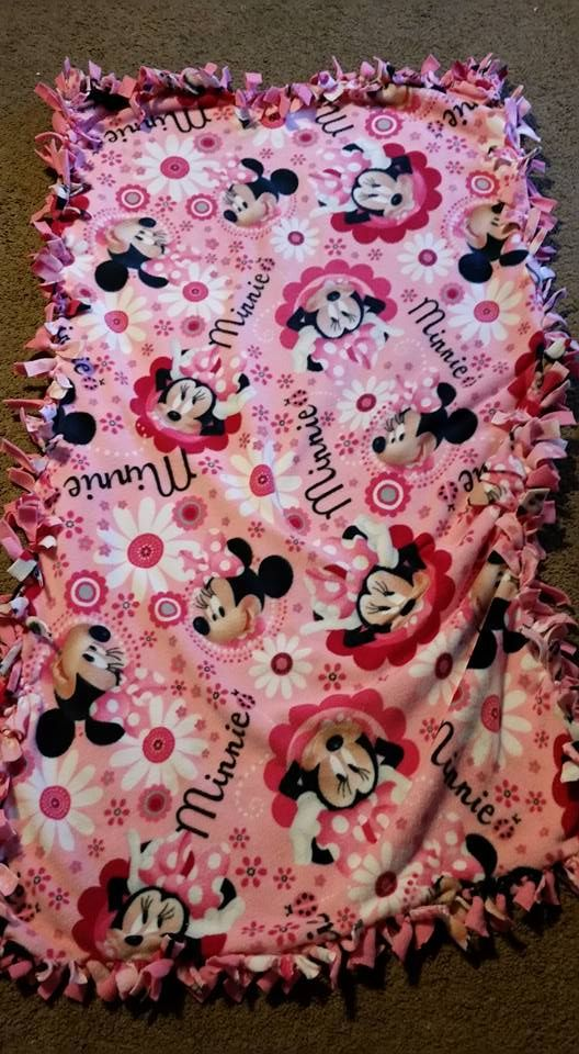 minnie mouse blanket $20.00 56'×32'