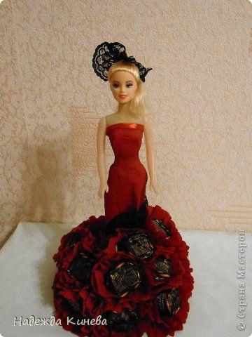 Свит-дизайн Моделирование конструирование Кукла из конфет Бумага гофрированная фото 4