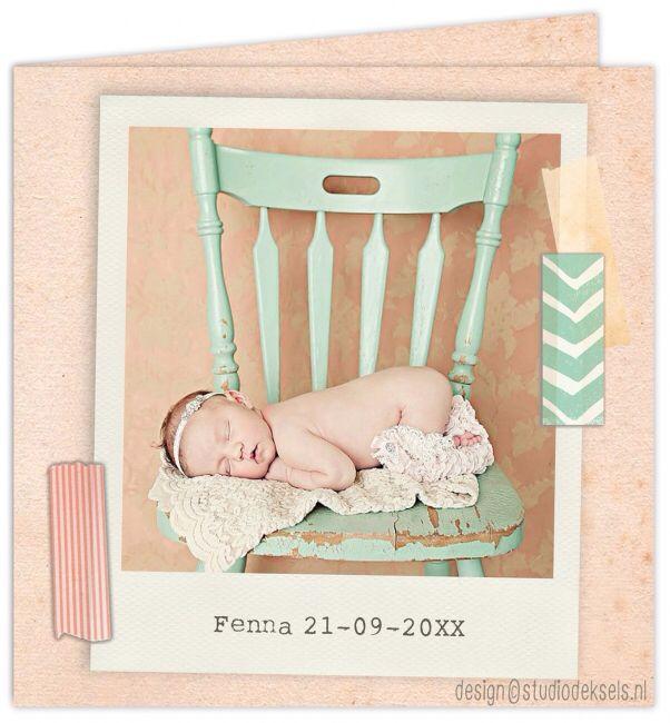 Studio Deksels • geboortekaartjes • foto • newborn shoot • zalmroze • vintage • papier • oud • polaroid • tape