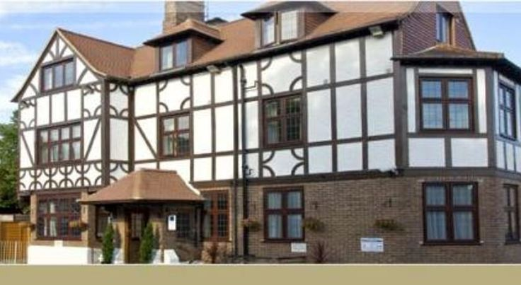 Barrington Lodge Crawley This newly-refurbished accommodation is 15 minutes' drive from Gatwick Airport, a 10-minute walk from Crawley train station and close to the town centre.  Barrington Lodge is situated in the centre of Old Crawley and away from the busy main roads.