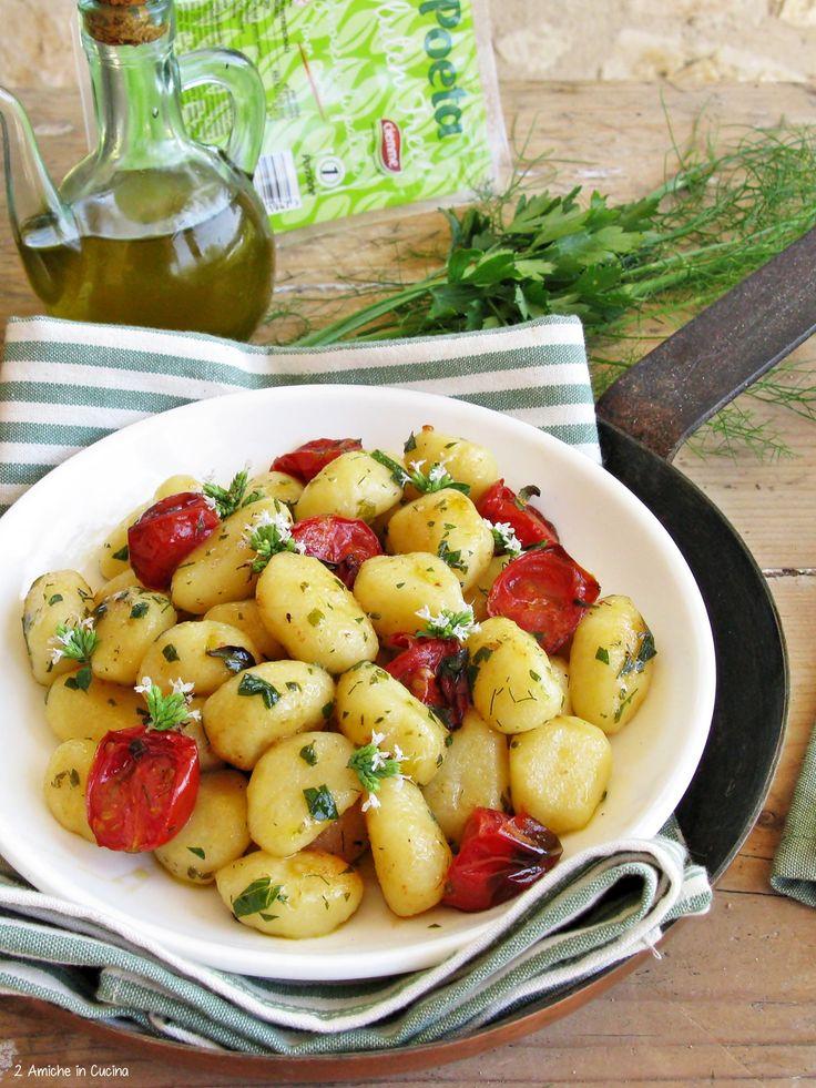 Gnocchi alle erbe aromatiche e pomodorini