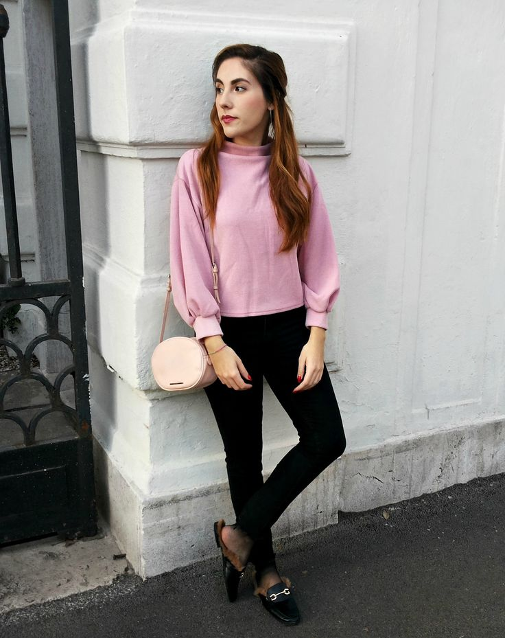 pink in the city outfit - minimal fashion - streetstyle - fringed jeans + loafers