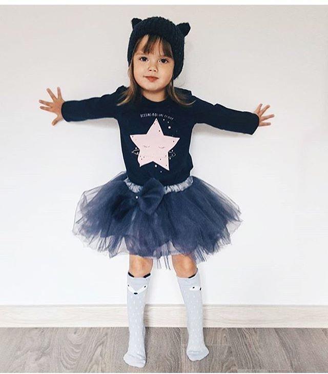 WEBSTA @ handmade_ermakova_love - Милые фото от @tatiana_ievkova Малышка в юбочке by Ermakova Love🐰Напоминаю Вам, друзья, что сейчас в нашей мастерской есть много расцветок в наличии. Вы всегда можете подпаливать себя и своих принцесс подарком)По всем вопросам пишите в Wats App или личные сообщения 89503486338 Любовь#instakids#kidsfashion#nn#юбочканазаказ#серый#шары#счастье
