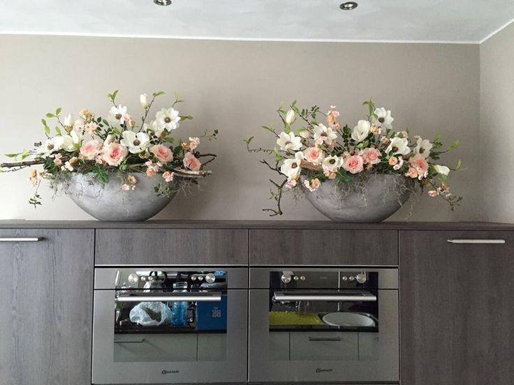 Zijde bloemen schalen. www.DecoratieStyling.nl