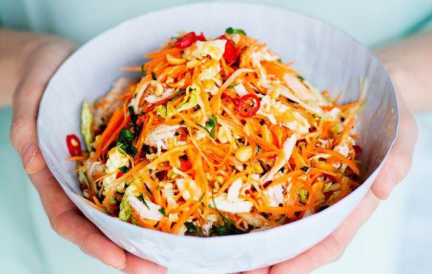 Vietnamilainen kanasalaatti / Vietnamese chicken salad / Kotiliesi.fi / Kuva/Photo: Sampo Korhonen/Otavamedia