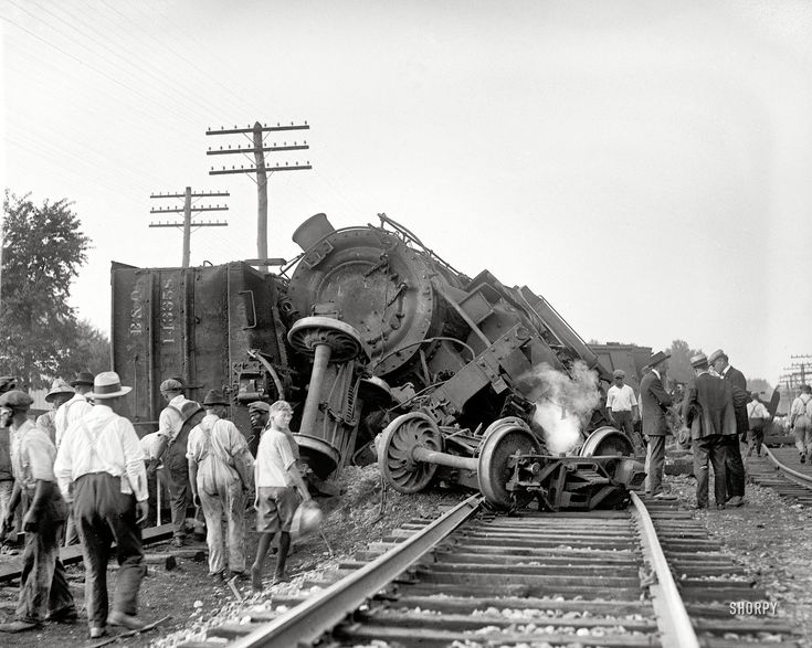 B & O Wreck July 31, 1922  Head on collision between freight trains.