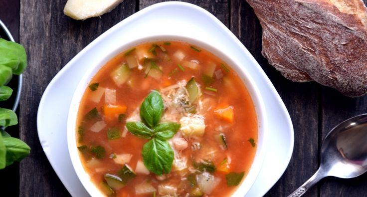 Minestrone leves recept: Az egyik legjobb nyári leves az olasz minestrone recept, ami akár hidegen, akár melegen is egyaránt remek ebéd vagy vacsora lehet. Próbáld ki te is, az egyik kedvenced lesz remélem! ;)