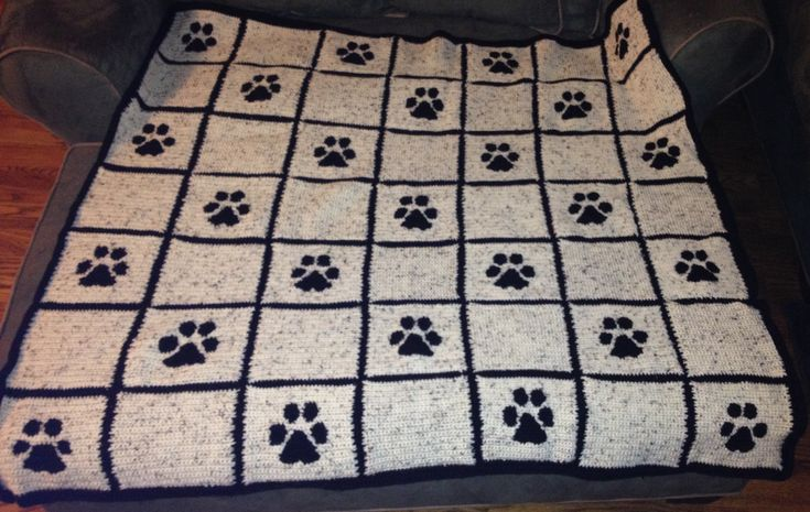Crochet Paw Print Throw Blanket Projects Pinterest