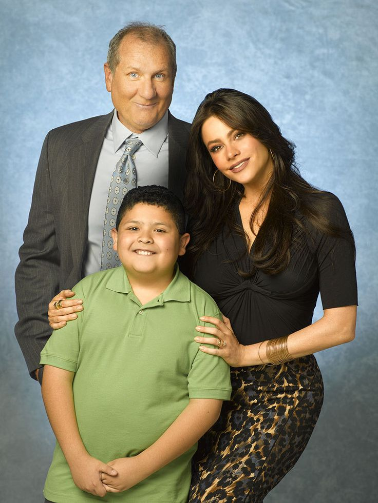 Rico Rodriguez as Manuel 'Manny' Alberto Delgado, Ed O'Neill as Jay Francis Pritchett and Sofia Vergara as Gloria Prichett