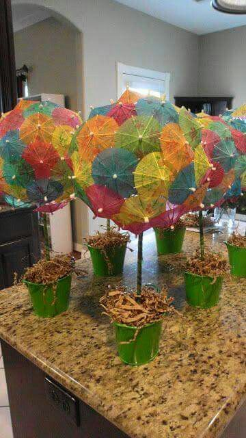 Umbrella topiary - this would be an inexpensive dollar store project