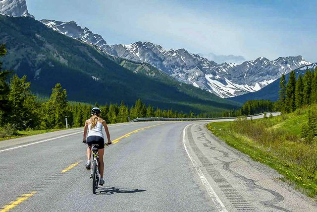 Canada Opening 22,000 km Car-Free Bike Path Across The Country In 2017