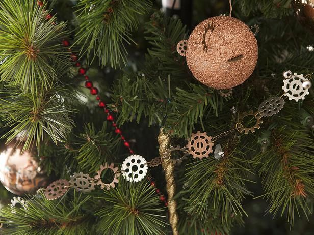 DIY Steampunk Christmas Decorating >> http://www.diynetwork.com/decorating/how-to-make-midcentury-modern-christmas-decorations/pictures/index.html?soc=pinterest