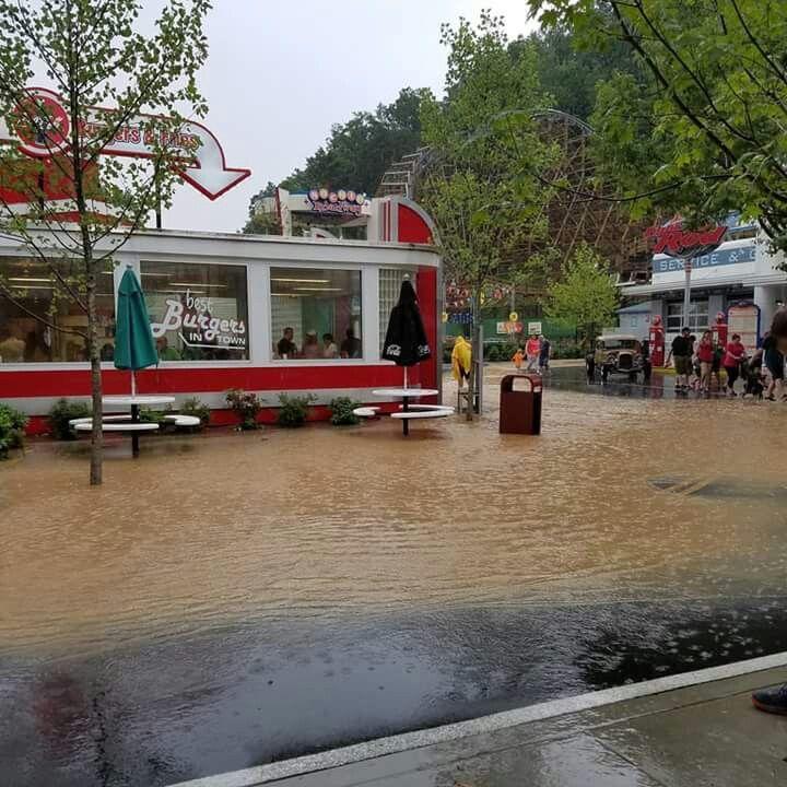 Dollywood Park get bad flooding. 😪💔 | Pigeon forge, Pigeon ...